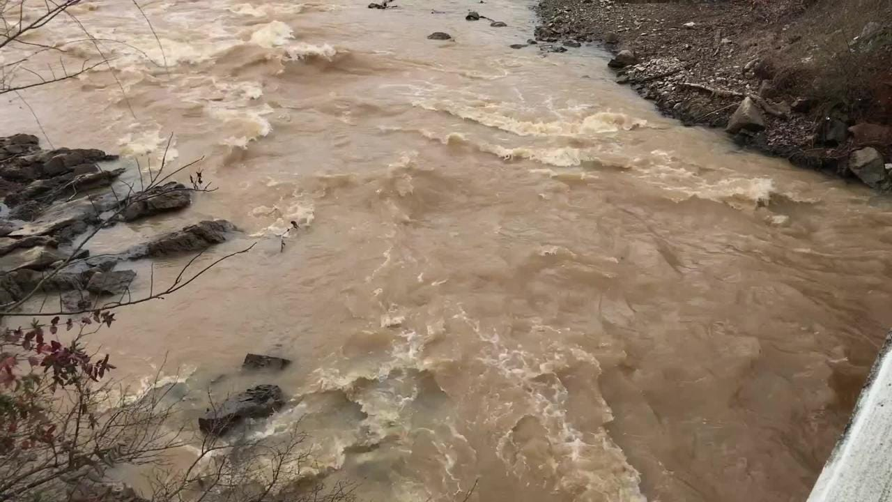 RAW video of rainwater in Turkey Creek flowing into Lake Loudoun in Farragut