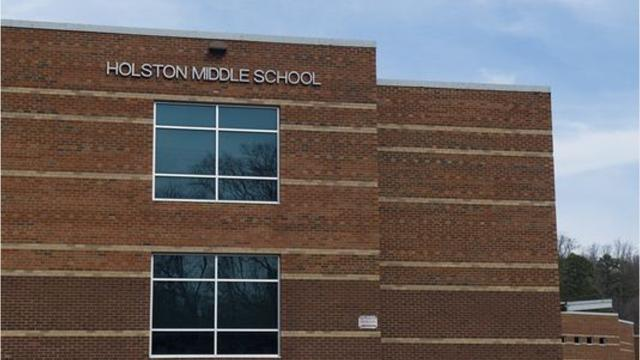 School warned of threat but security unreachable