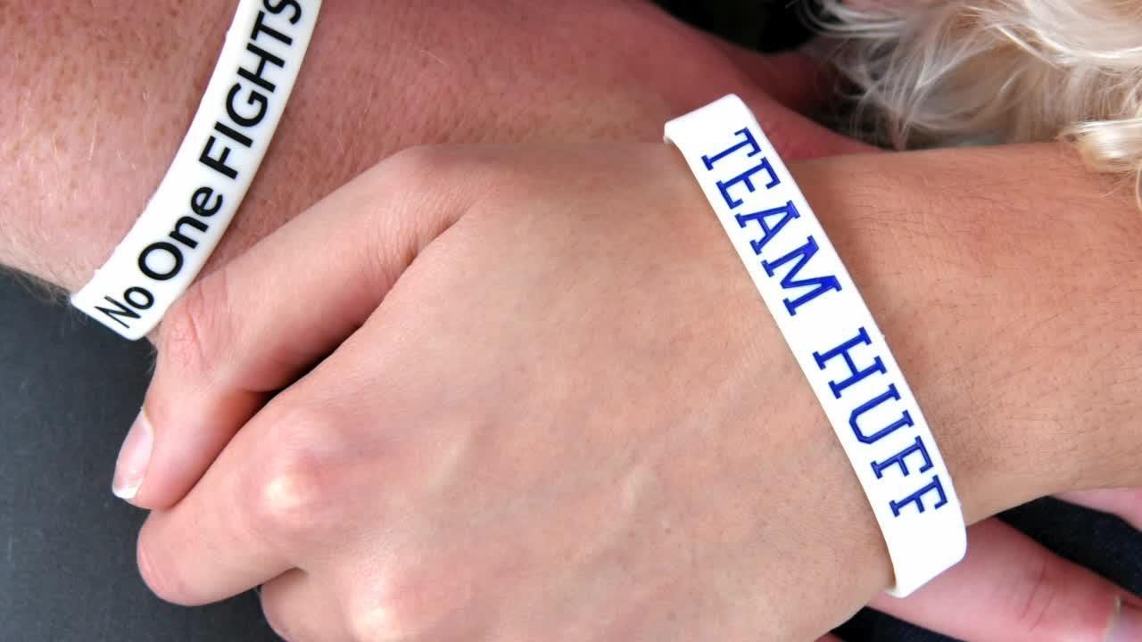 Centennial teacher with Stage 4 lung cancer, helps raise awareness