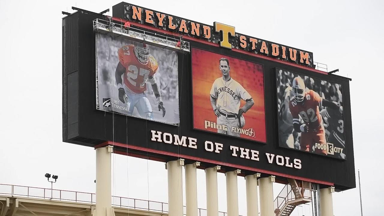 Watch as Al Wilson replaces Butch Jones on Neyland Stadium's video board