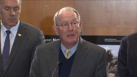 Lawmakers, led by U.S. Sen. Lamar Alexander, will be throwing some assistance to the National Park Service's maintenance backlog if they can get enough votes for their National Park Restoration Act that was introduced Wednesday morning.