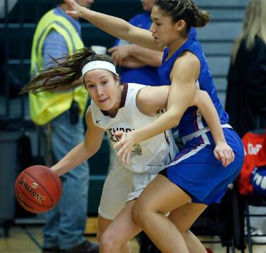 Williamsville South shot out to a 24-7 lead en route to a 65-47 over Pittsford Mendon.