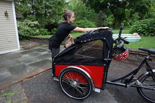 Brooke Fossey, finding a little more free time and looking for ways to use her bike, started a business, Bagel Bike.