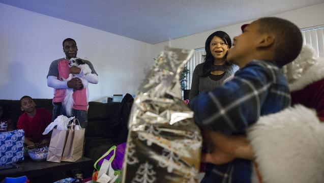Watch: Family of 6 receives Christmas surprise