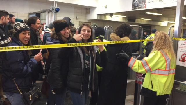 Philadelphia Eagles fans pack PATCO speedline in S. Jersey for parade