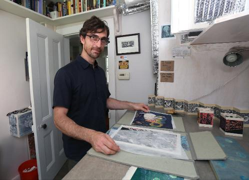 Jeff White, a woodcut artist from Sleepy Hollow, takes inspiration from the new New York Bridge being built over the Hudson River.