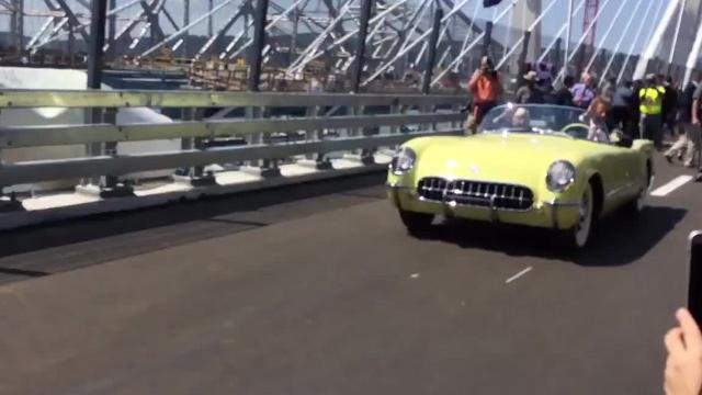 Video: 'Chick' Galella drives with Cuomo across the bridge