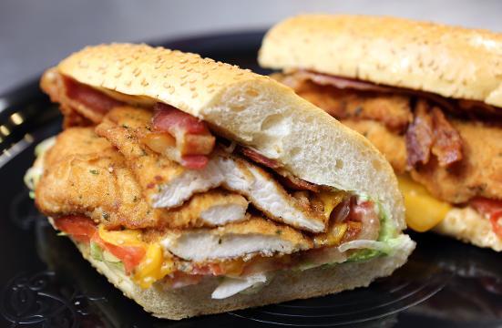 Video: Chicken cutlet deli sandwich at Luigi O'Grady's