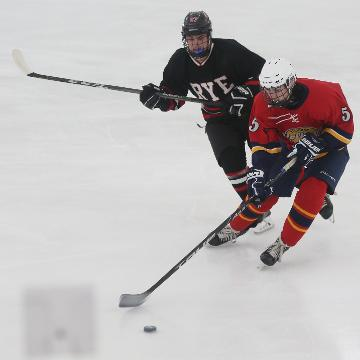 Video: Pelham plays Rye in ice hockey