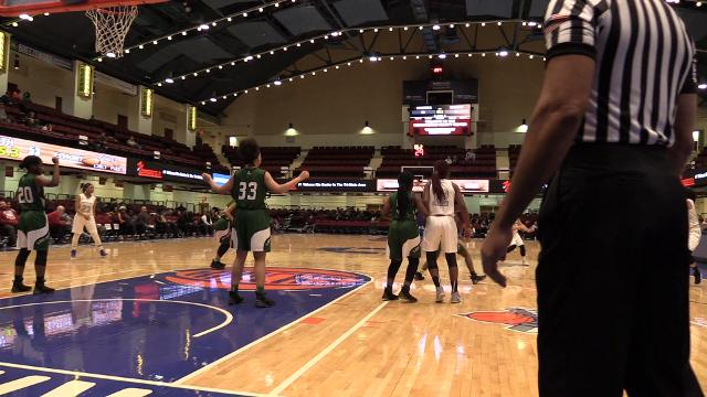 Video: Game action between Masters and Elmont at the Slam Dunk Tournament