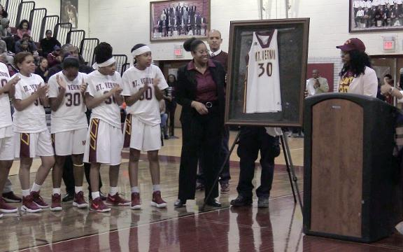 Video: Shamoya McKenzie's jersey retired at Mount Vernon High School
