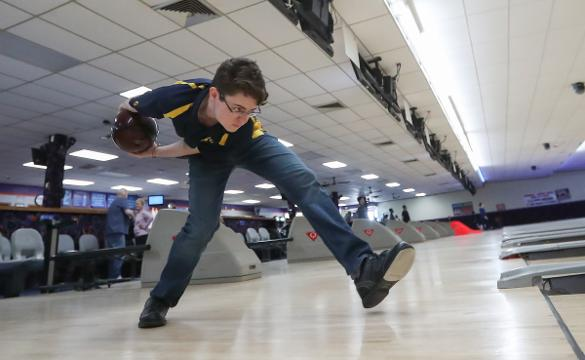Bowling All Stars Panas Nick Perrone Lives Up To Lofty Expectations