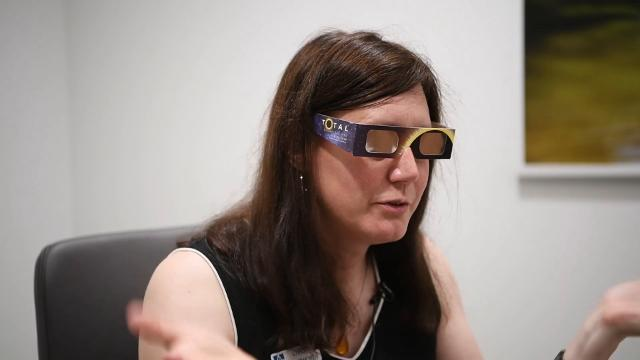 How do I use eclipse glasses?