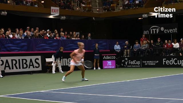 Video: Venus Williams vs. Richel Hogenkamp