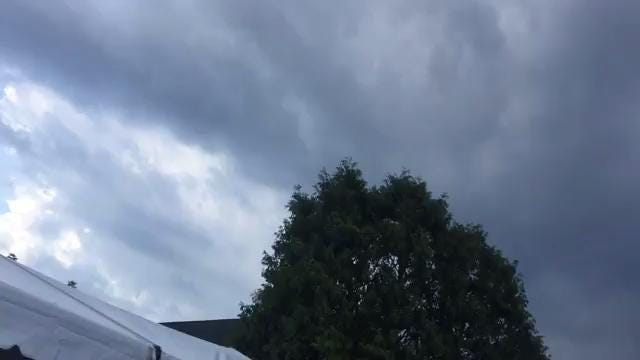 Video: Late-round sky over En-Joie