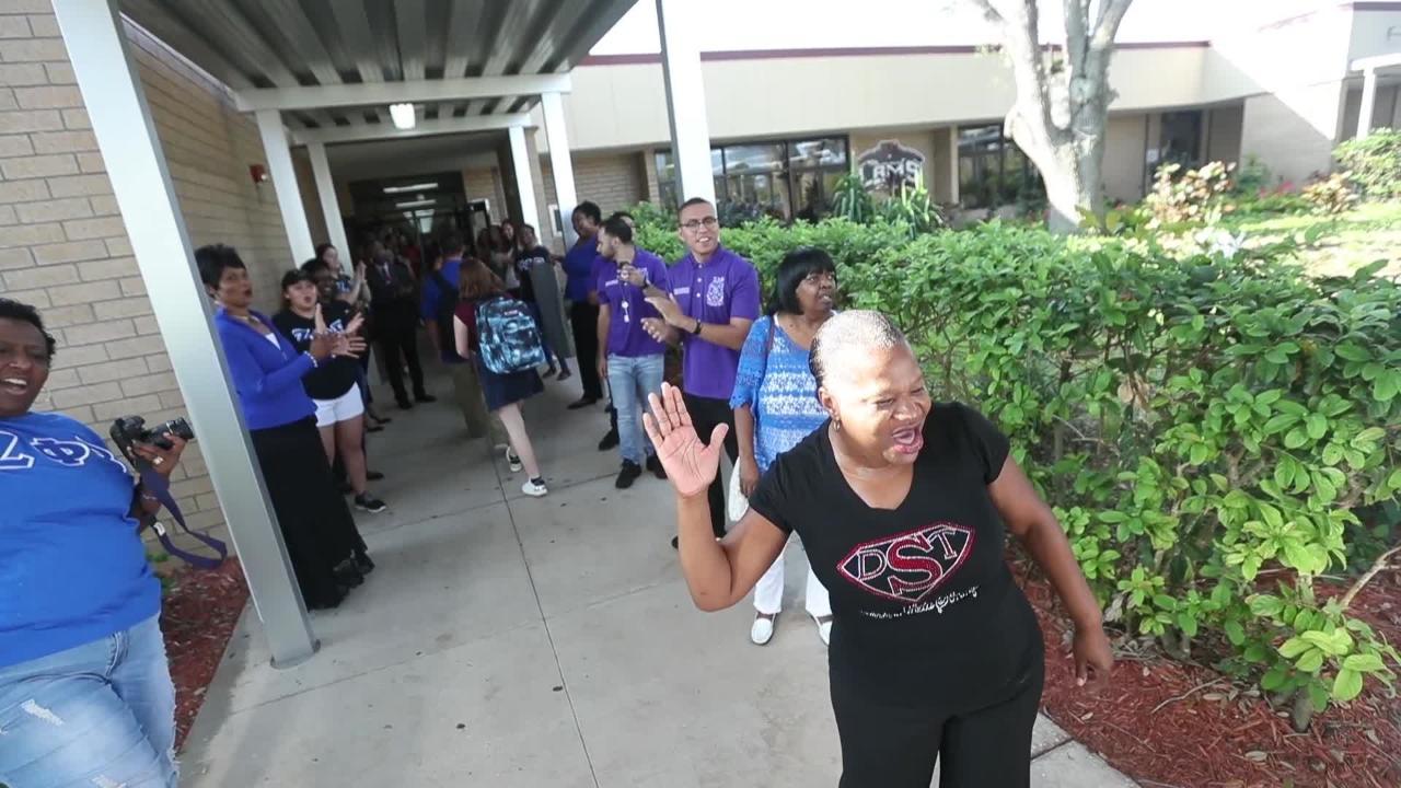 Hurricane Days Make A Comeback In Lee County S 2018 School Calendar