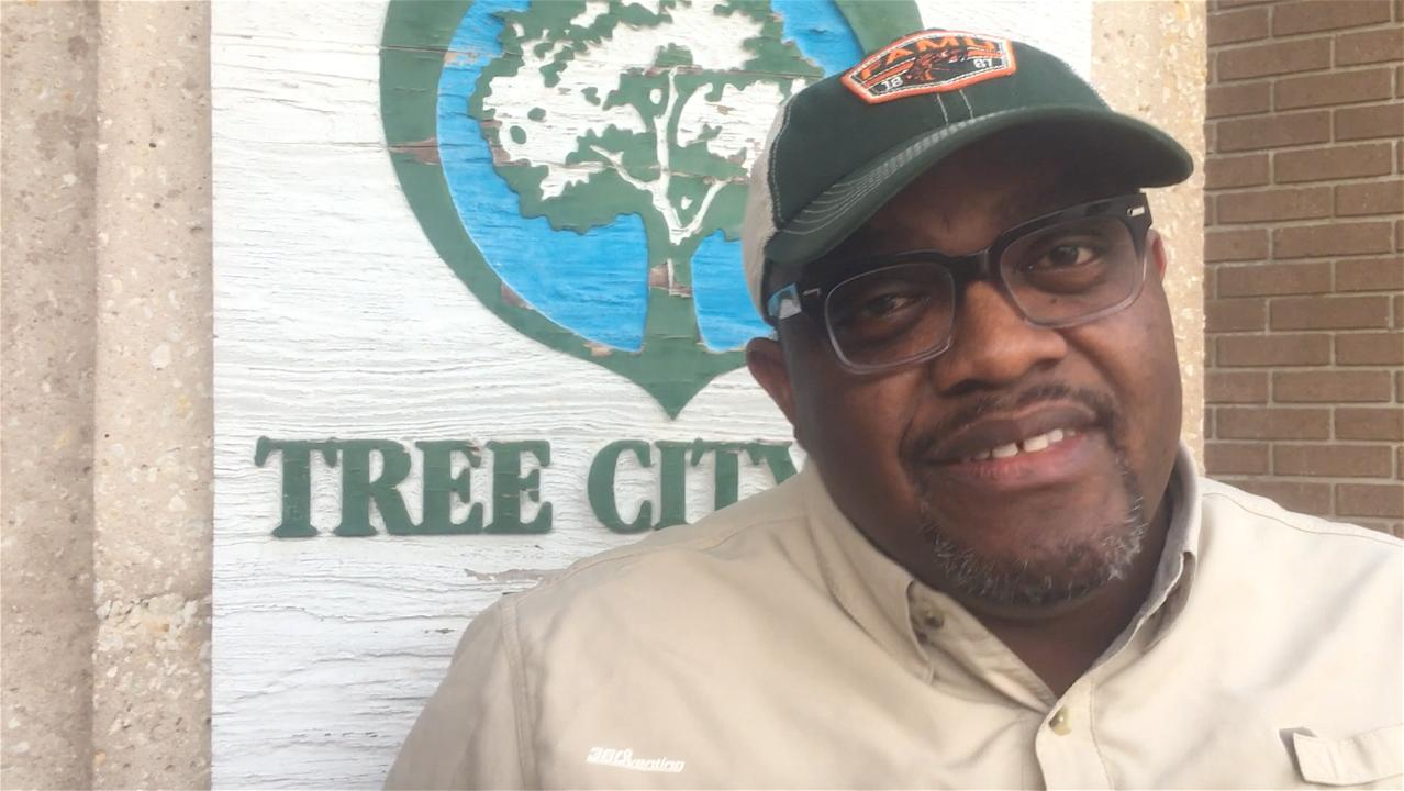 Construction contractor Curtis Sheard has been a lifelong neighbor of Fort Myers' toxic sludge dump on South Street. Seldom at a loss for words, Sheard found some choice ones for the conclusions of Black & Veatch consultants about the dump.