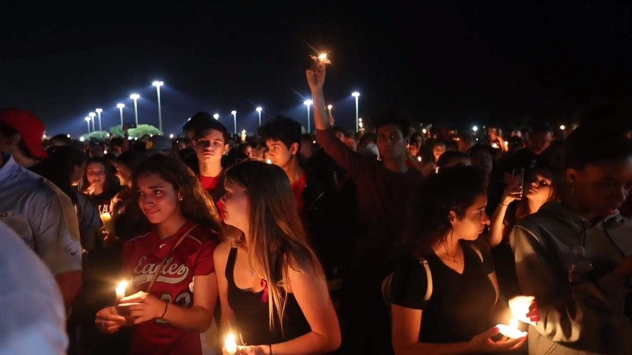 Florida high school mass shooting: Moments from the vigil in Parkland