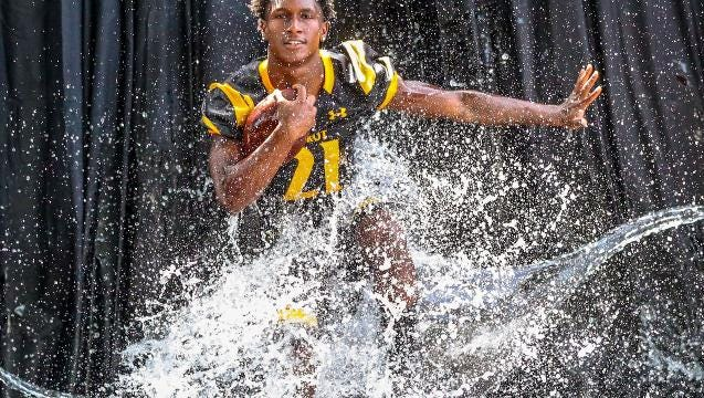Running back Terry Lindsey goes into junior season looking to be top player in Class 4A after transferring from North Fort Myers.
