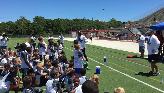Reggie Nelson sponsors free football camp