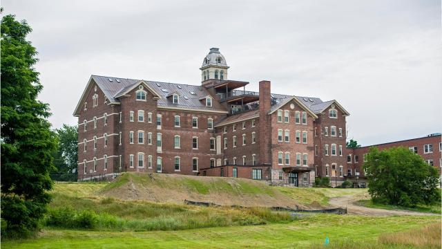 Burlington College: From new campus to closure