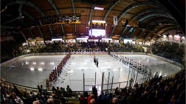 University of Vermont hosts Boston College in men's hockey at Gutterson Fieldhouse on Nov. 10, 2017. (Photos by Brian Jenkins/For the Burlington Free Press)