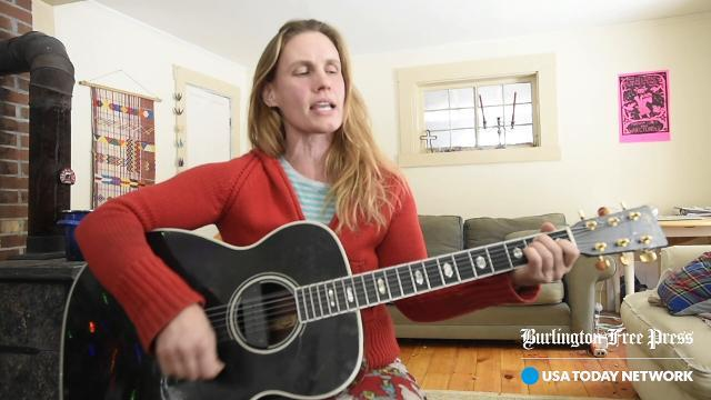 Ariel Zevon performs a song from her new album