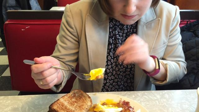 Elizabeth Murray schools fellow Free Press staff writer Brent Hallenbeck on the finer points of hash over brunch in Colchester