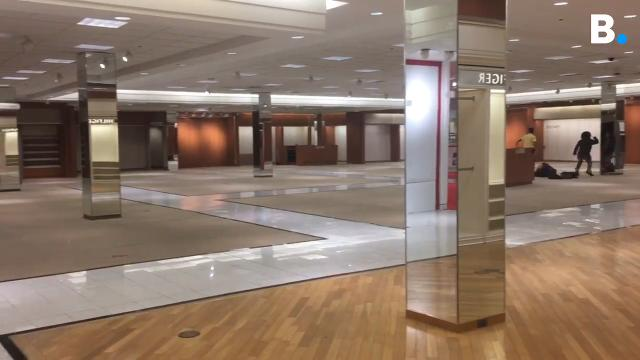 Employees outnumbered shoppers and bade farewell to Burlington's last remaining department store. Produced March 27, 2018.
