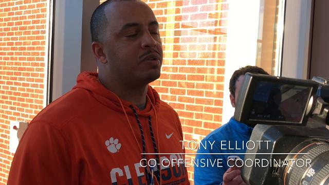 Clemson co-offensive coordinator Tony Elliott and sophomore running back Travis Etienne discuss Etienne's improvement and goals for the spring.