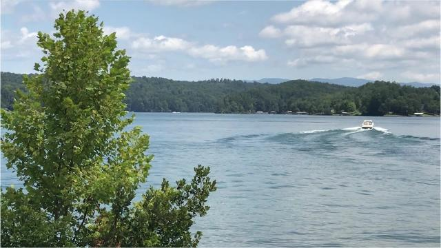 Lake Keowee has more deaths than other nearby bos of water on topo map of lake wateree, topo map of lake murray, topo map of lake lanier, topo map of lake chatuge, topo map of smith mountain lake, topo map of dale hollow lake, topo map of lake of the ozarks,