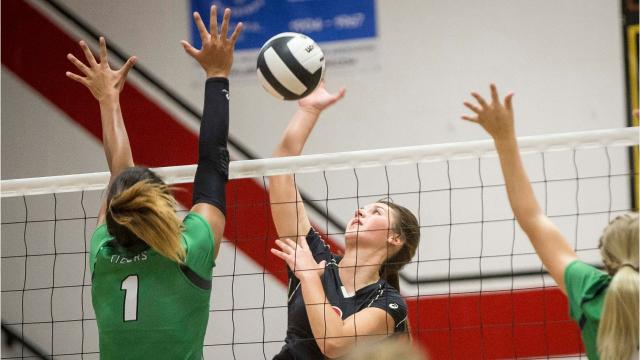 Defending state champions Yorktown and Wapahani played their third close match of the season.