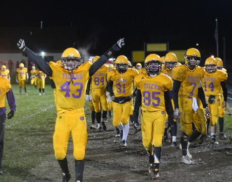 Hagerstown's football team def. Tri 33-14 in sectional semifinal.