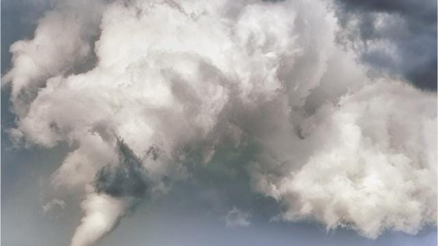 Tornado watch vs. tornado warning. Learn what the difference is.