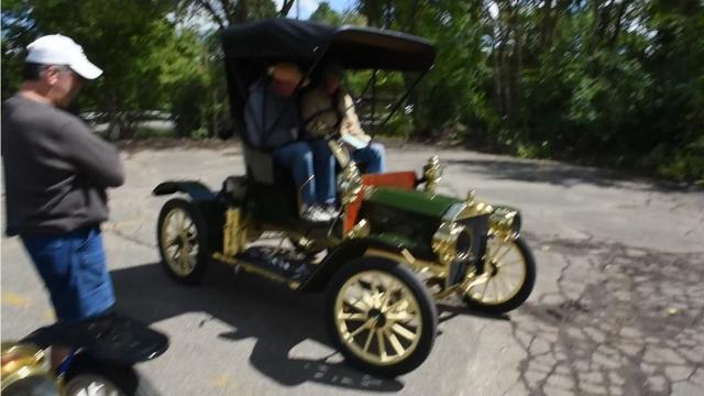 VIDEO - 1900s-era cars visit Northville before its Heritage Festival
