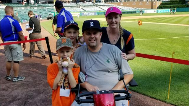 The Grand Ledge community is rallying around resident Jason Dart in his fight against ALS.