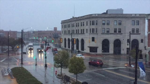 Big fluffy snowflakes fall in Port Huron