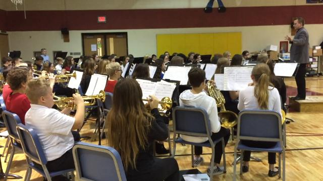 Fort Gratiot Middle School students honor local veterans for Veterans Day