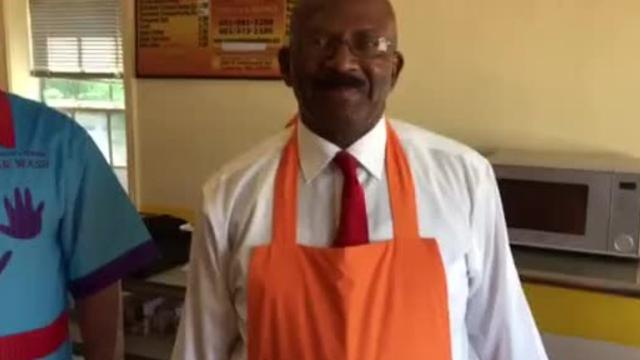 Monroe Jackson shows off stringless apron