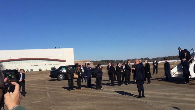 President meets Mississippi leaders as he exits Air Force One