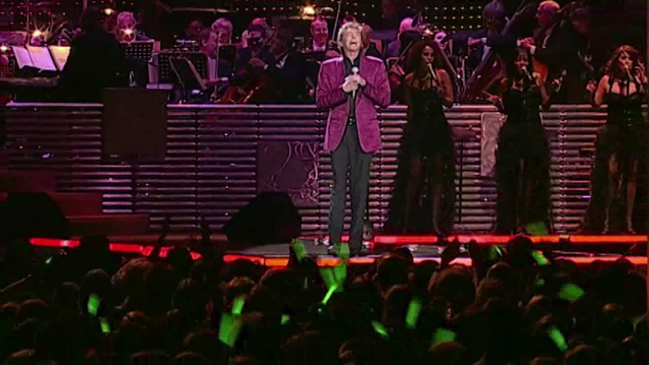 "Barry Manilow gave his last ""Gift of Love"" benefit show  at the McCallum Theatre in Palm Desert in 2017."