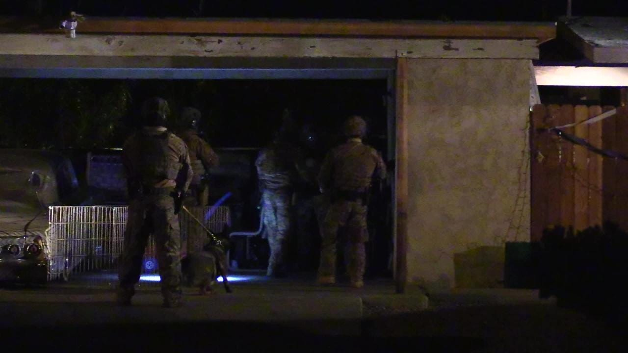 Palm Springs police conduct Crips gang raid