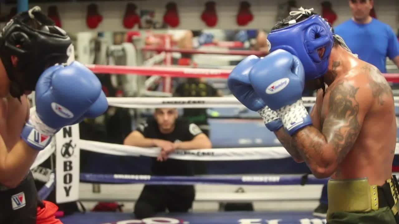 Vergil Ortiz, an artist in the ring combines music and boxing.