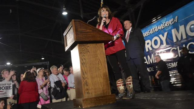 Sarah Palin speaks at Roy Moore Rally