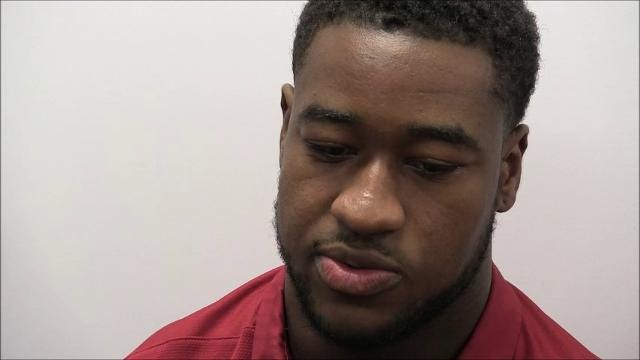 Alabama senior linebacker Shaun Dion Hamilton looks to go 4-0 against Tennessee and light a victory cigar, a tradition for the Crimson Tide after wins over the Volunteers.