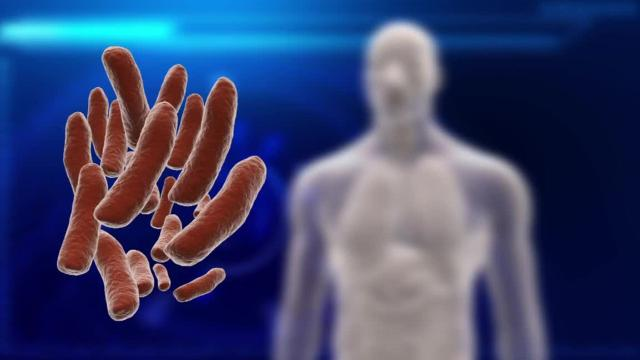 600 face tuberculosis threat from infected health care worker