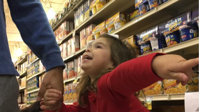 As Susana Resende's fourth birthday approached, all she wanted to do was shop at her favorite grocery store, Renfroe's Market. Together, she and her mother found a way to do that and give to others at the same time.