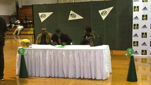 "Jaquan Williams announces that he will sign the ""Hornet's letter"" to play at Alabama State University on Wednesday, Feb. 2, 2018 at Jefferson Davis High School."