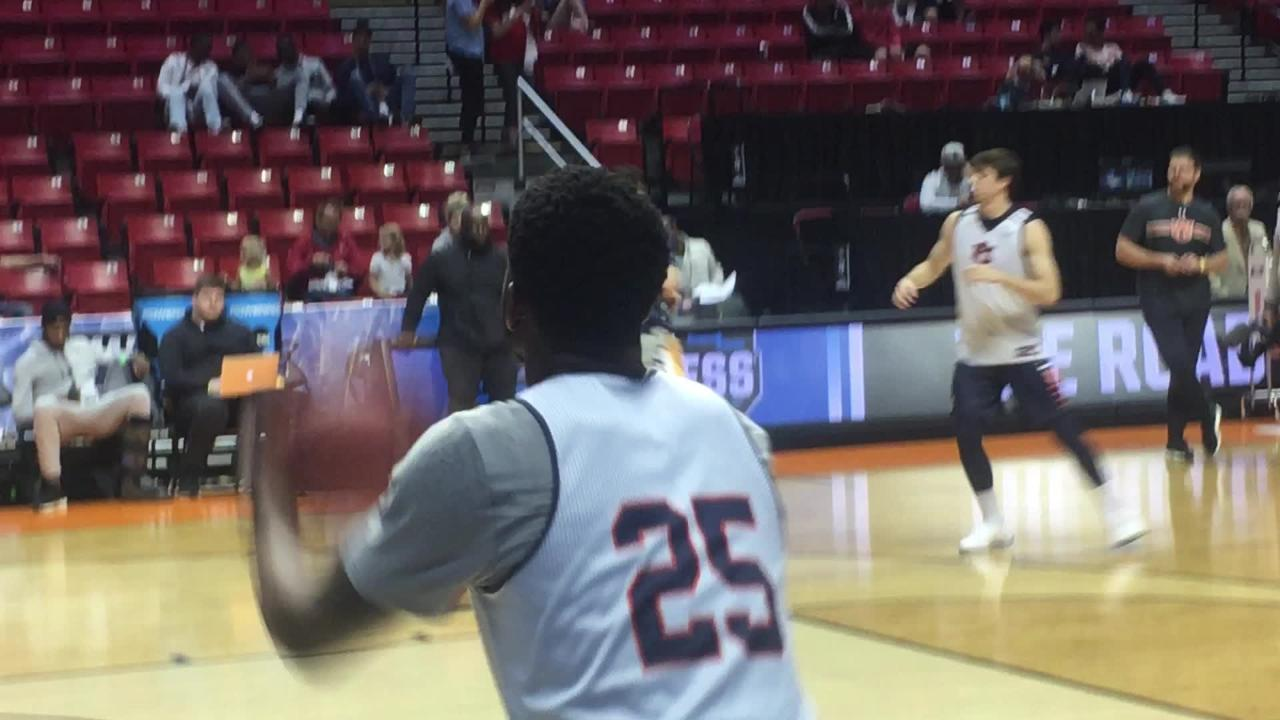 4-seed Auburn goes through NCAA Tournament practice session.