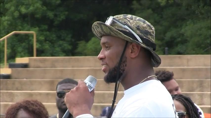 Tampa Bay Buccaneers tight end O.J. Howard talks Saturday about his football camp at his high school alma mater, Autauga Academy.
